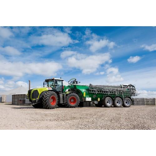 Трактор CLAAS XERION 4000