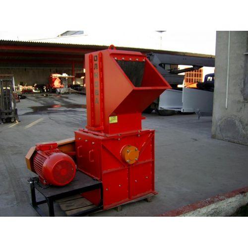 Деревоподрібнююча машина DP 660 Р (роторного типу) | t-i-t.com.ua